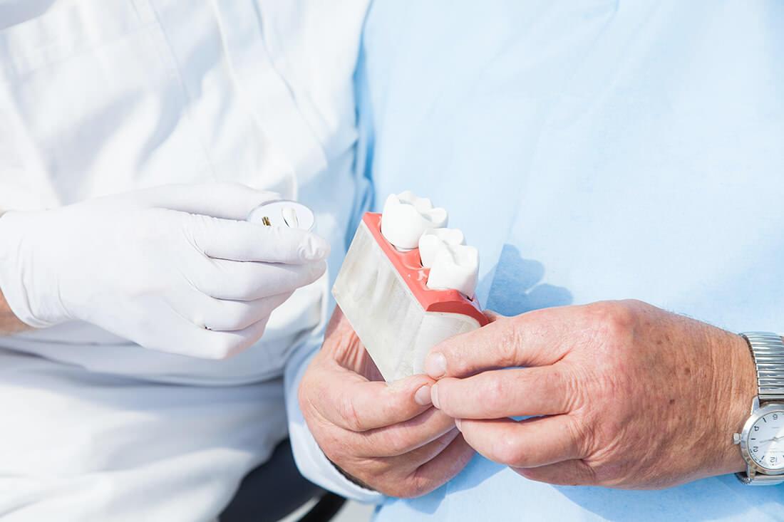 Zahnarztpraxis Müller & Lüttke in Kranichfeld, Leistungen, Implantologie